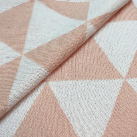 White and Pink Triangle Knitted Blanket - kidslovedecor