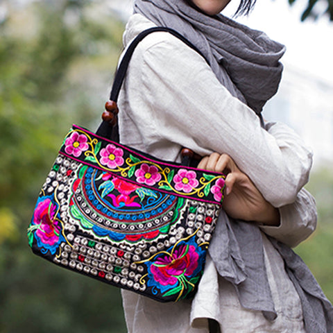 Embroidered flower and butterfly tote handbaag