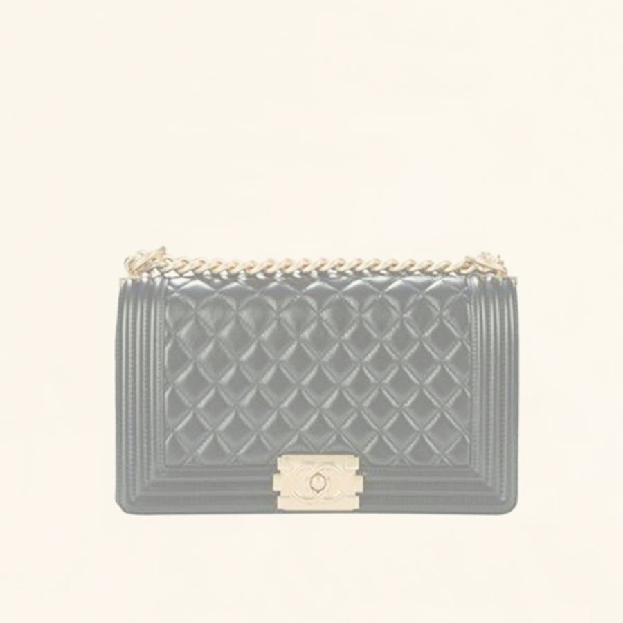 711b95f2f41660 Chanel | Quilted Lambskin Boy Flap Bag | Old Medium - The-Collectory
