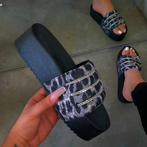 Women's Platform Slippers Woman Indoor Bling Beach Shoes Ladies Casual Flat Slides Women Soft Comfort
