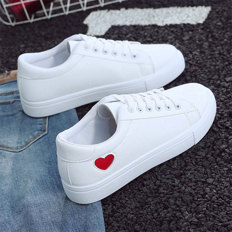 Shoes Fashion New PU Leather Shoes Breathable Cute Heart Flats Casual Shoes White Sneakers