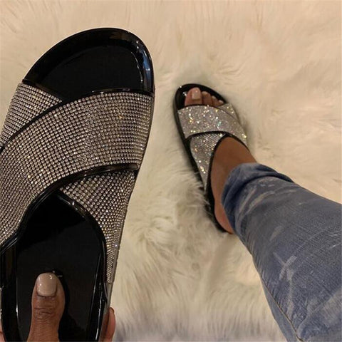 New Women Slippers Fashion Bright Diamond Crystal Beach Slipper Flat Shoes Women Slides Flip Flops Outdoor Sandals