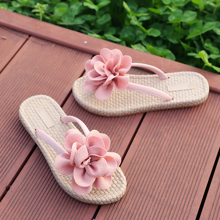 New  Women Flat Beach Slippers Sweet Flip Flops Sandals For Casual And Beach Attire Slippers