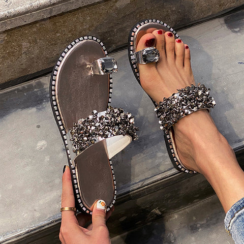 New Women's Fashion Sandals Ladies Bright Diamond Flat Heel Slippers Clip Toe Slippers