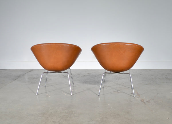 Arne Jacobsen - A Vintage Pair of Pot Chairs in Original Leather
