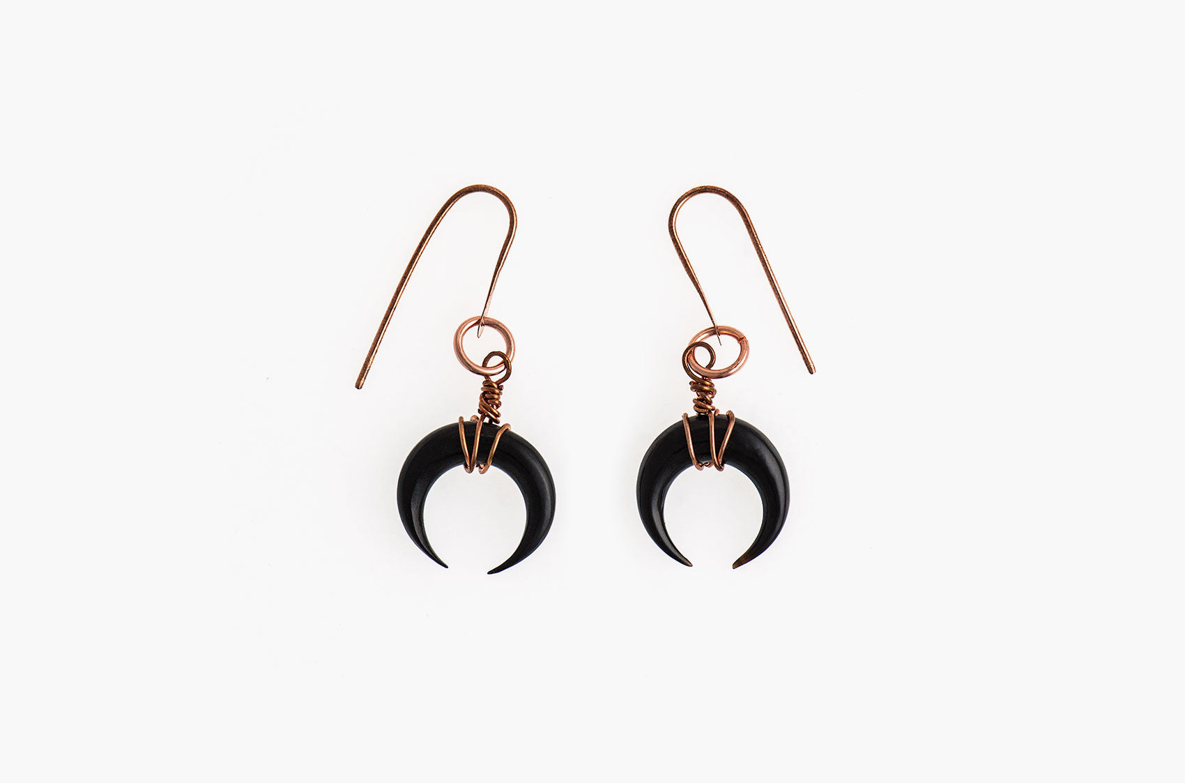 Little Big Horn. Crescent medium wire-wrap earrings Black with copper earwires