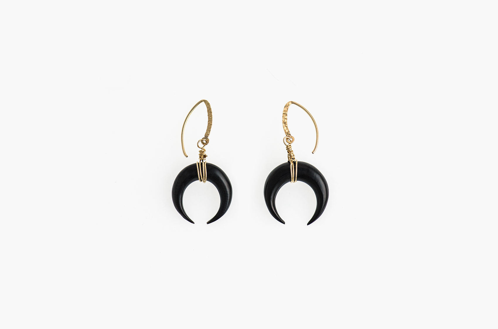 Little Big Horn. Crescent medium wire-wrap earrings Black with 14kt gold hammered earwires