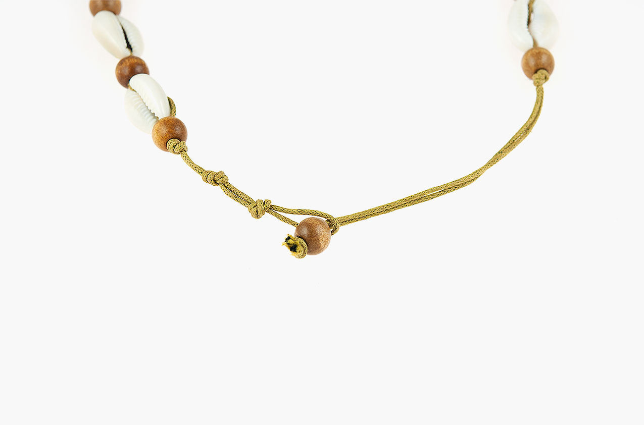 Shell, wood and tassel leather necklace back