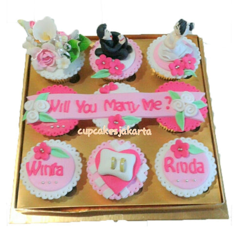 Romantic Pink Proposal Hantaran Cupcakes (CCH904)