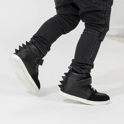 PRETTY BRAVE Dragon Boot Black