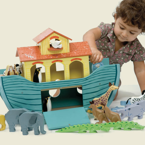 Le Toy Van Noah's Great Ark Set 3