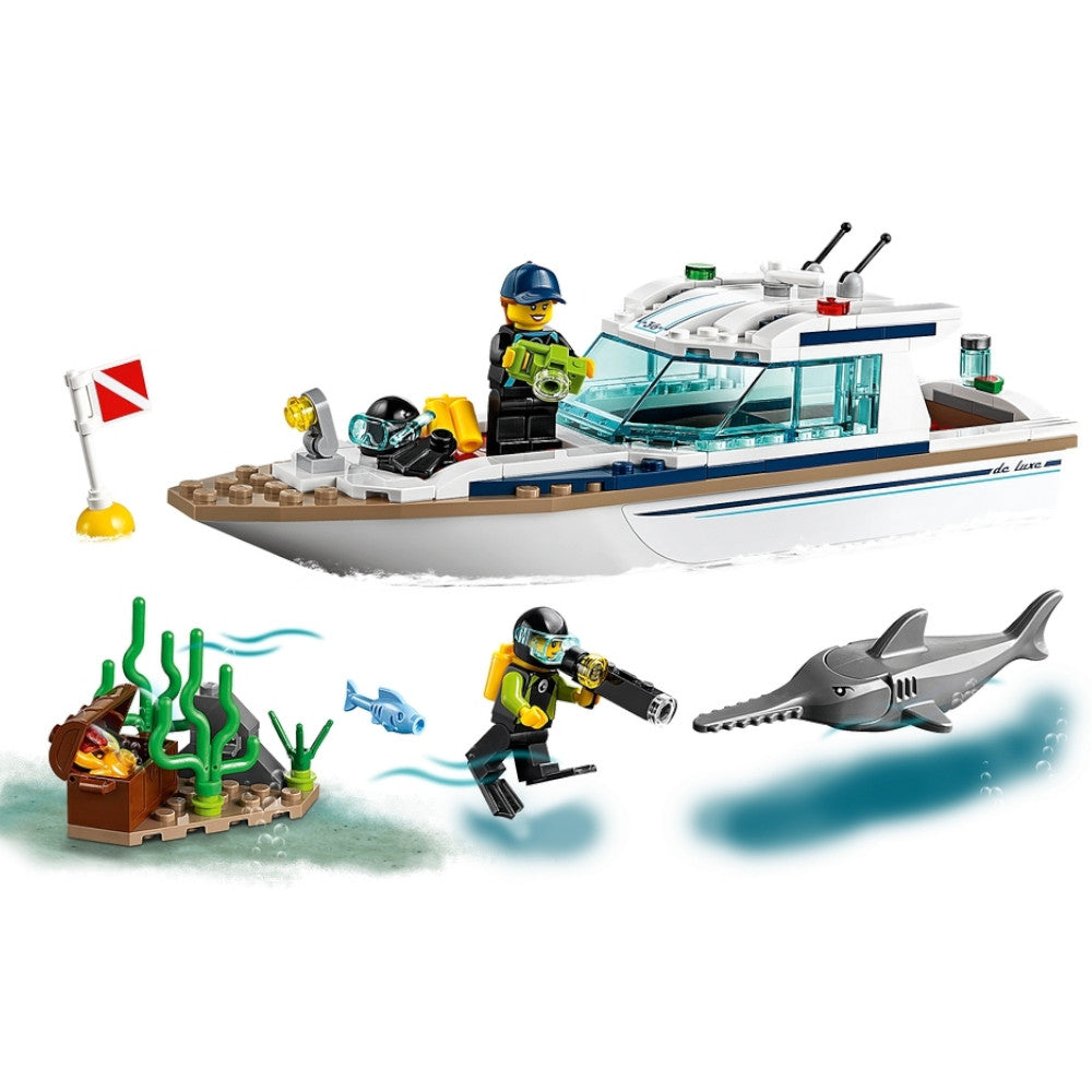 LEGO City Diving Yacht 60221 4