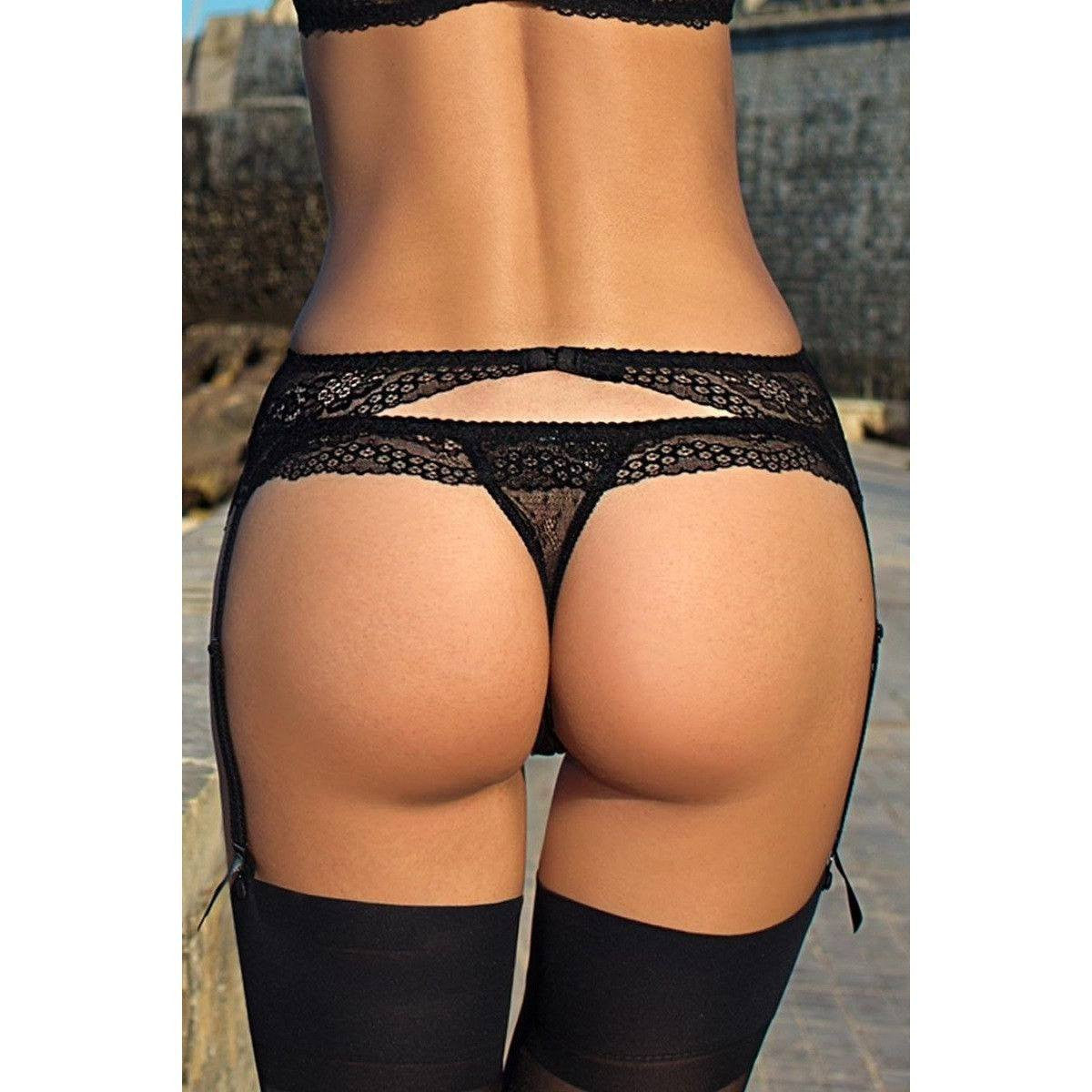 Black low-waist garter belt for <span class=money>€19.95 EUR</span> at Flirtywomen