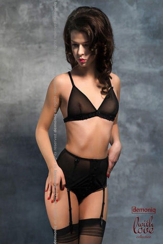 Black lingerie bra, garter-belt and brief panty for <span class=money>€24.95 EUR</span> at Flirtywomen