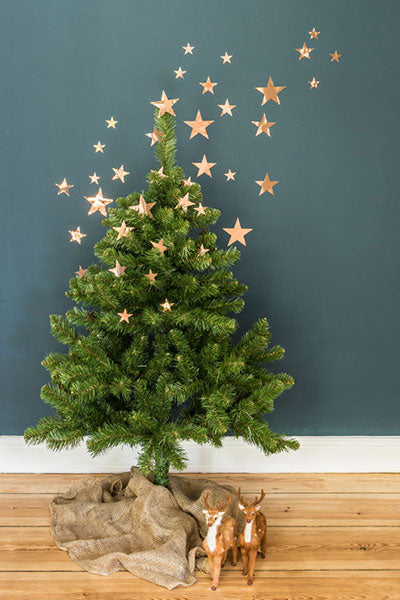 Simple Stary Tree Decoration, an easy and modern way to decorate your Christmas tree