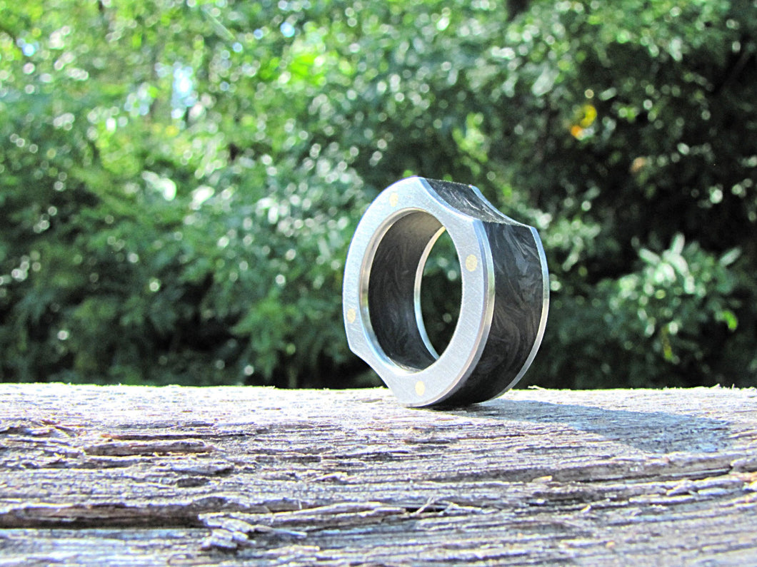 Magnitude - Forged Carbon Fiber and Titanium Ring