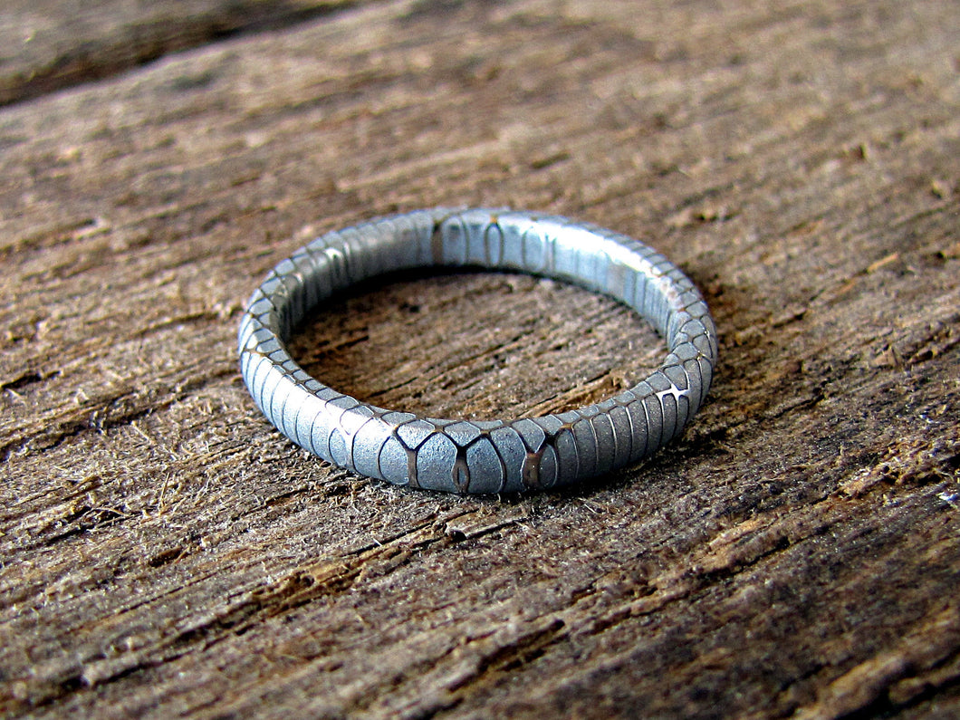 Mist - Women's Damascus Steel wedding Band