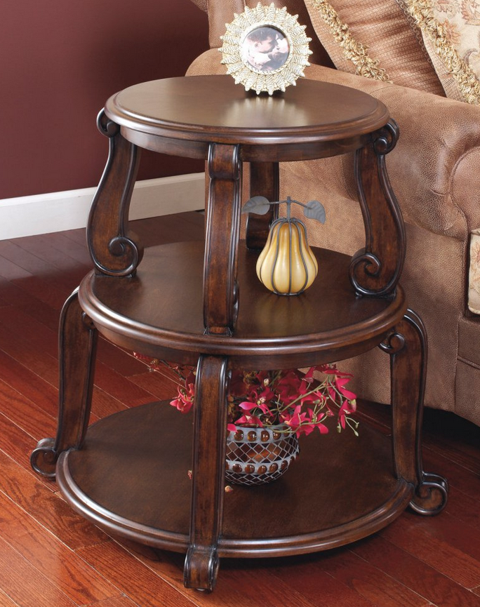 Traditional Wood Round End Table
