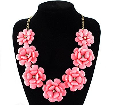 Light Pink Golden Plated 7 Flowers Fashion Necklace