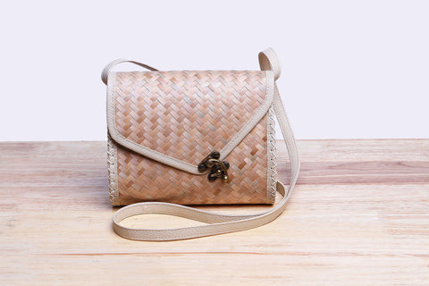 Sedge Nude Saddle Bag