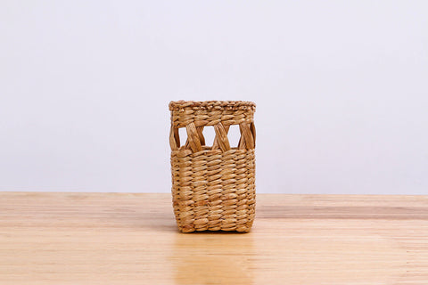 Natural straw wicker mini container (tall)