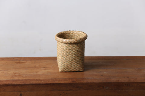 Seagrass Pen Holder