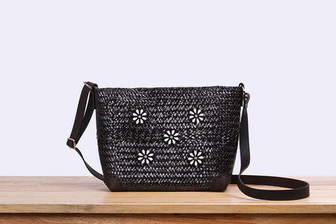Woven Seagrass pouch bag (Black)