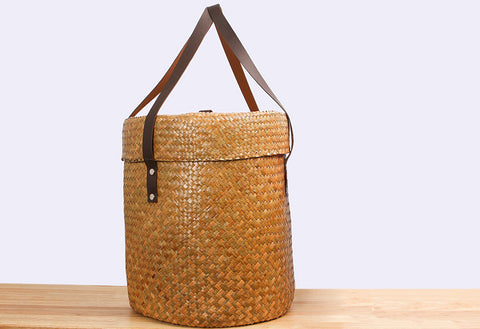 Woven Seagrass basket with lid