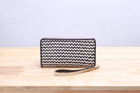 Varni - Seagrass Wicker Wallet (Black and White)