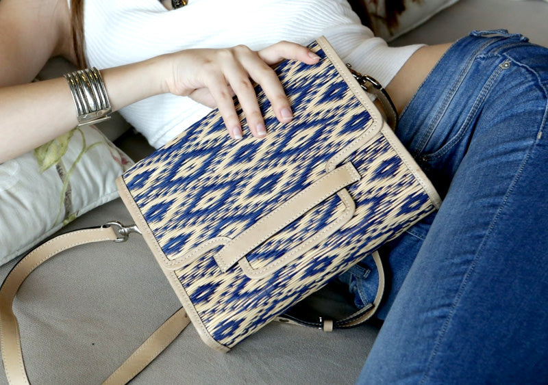 <ly-as-9507011>Marla Clutch Bag (Blue-Nude)</ly-as-9507011>