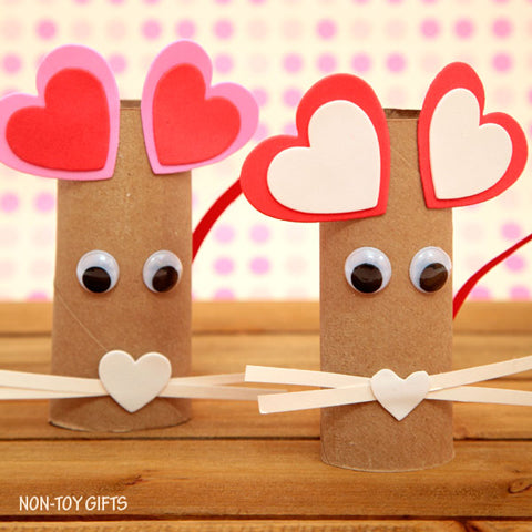 Valentine's paper roll mouse