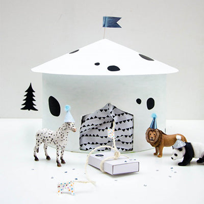 Black and whote Zoo advent calendar
