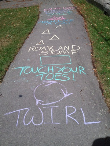 Parcours draw on sidewalk