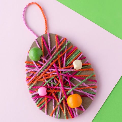 Yarn wrap easter egg