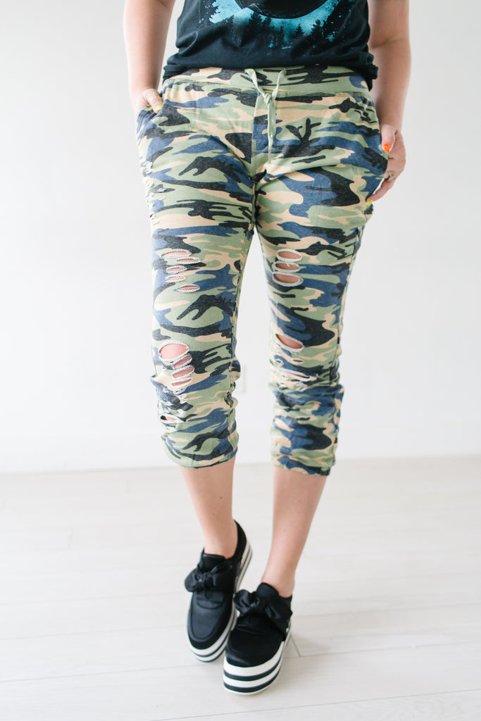 Game Changer Camo Cropped Jogger