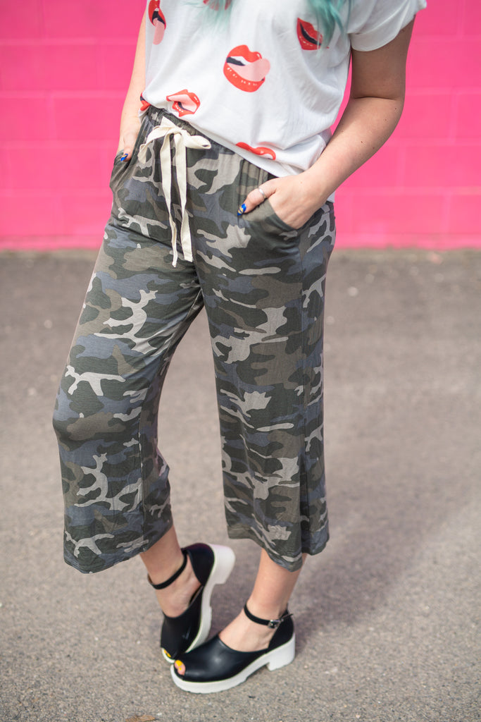 Dreamy Lux Camo Cropped Pant | Up To 3X!