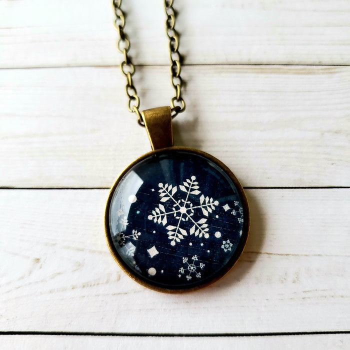 Snowflake Design (shimmer) - Pendant Necklace