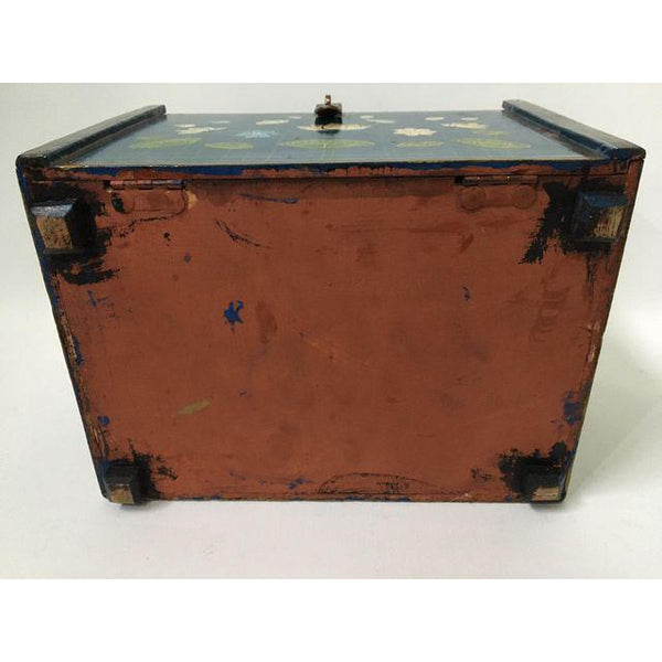 Vintage hand painted jewelry box bottom view