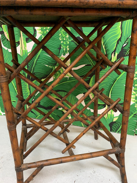 Rattan Wine Rack Tray Table close up