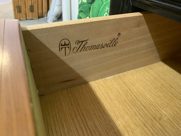 Thomasville Two-Toned Triple Dresser brand mark