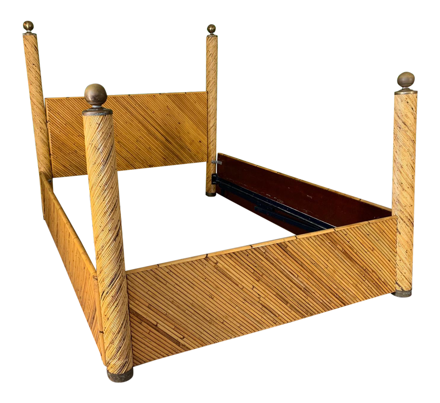 Split Reed Rattan Full Size Poster Bed