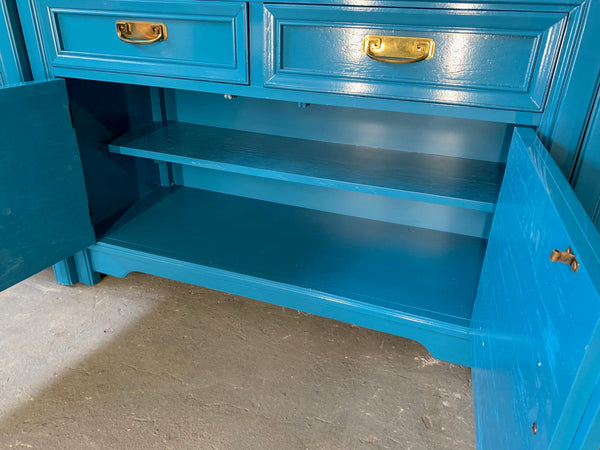 Thomasville Sideboard Cabinet in Blue Lacquer close up