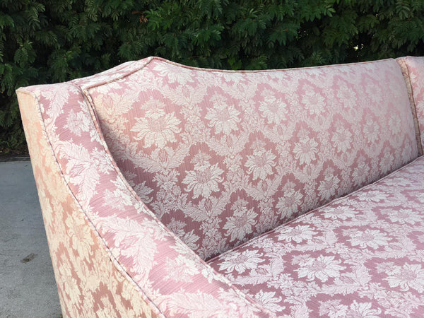 Vintage 4-Piece Hollywood Regency Pink Damask Tufted Sectional Sofa detailing