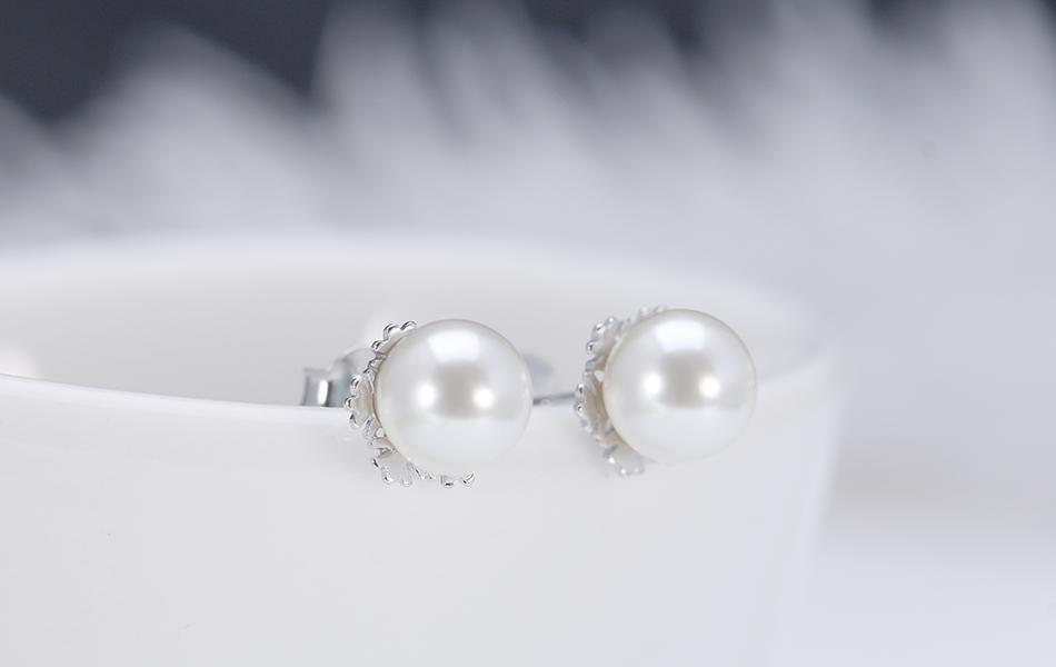 elegant sleek Silver CZ Pearl Earrings