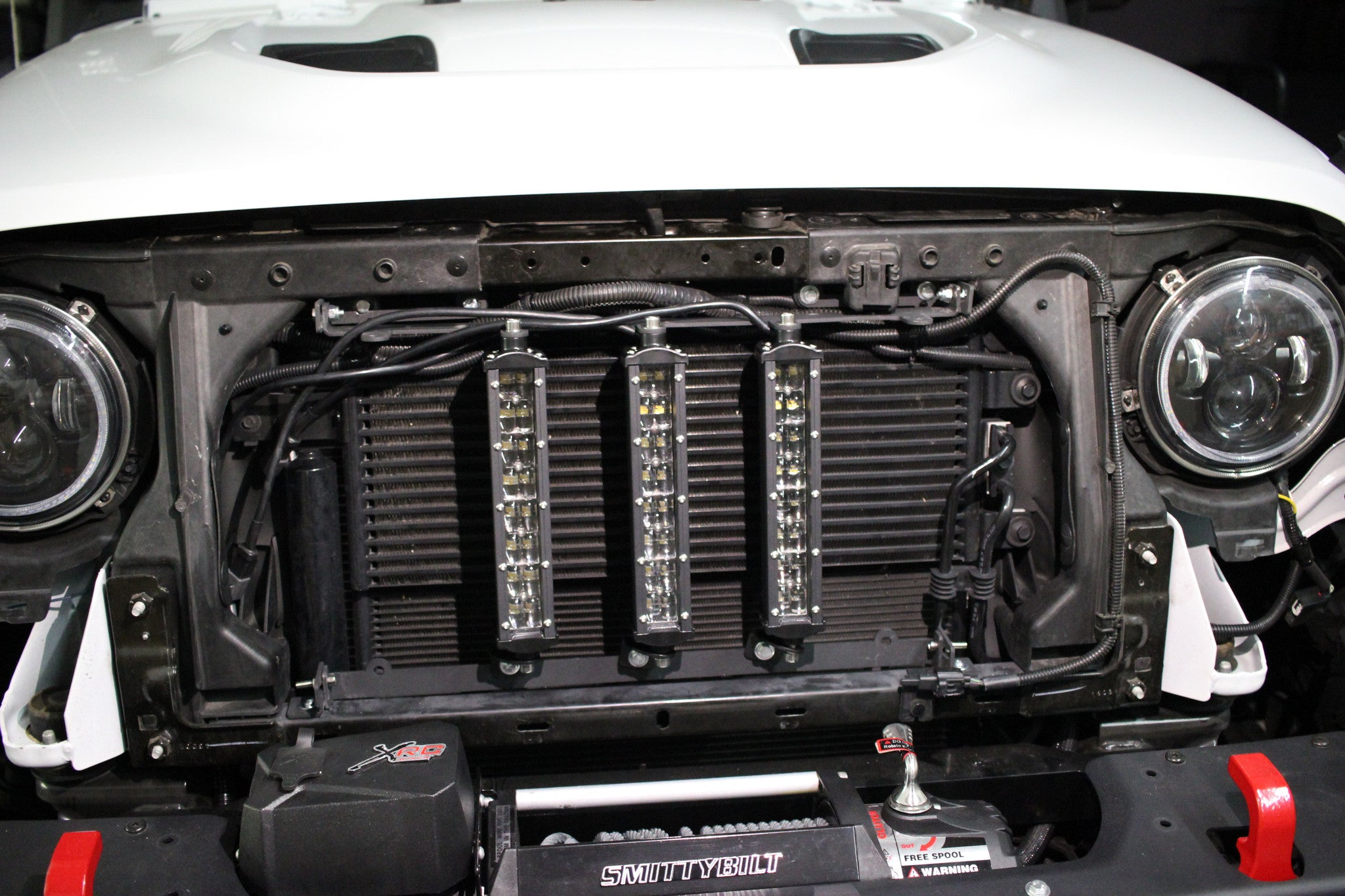 Jeep Jk 8 >> Jk 8 White Led Vertical Grill Kit Altitude Jeep