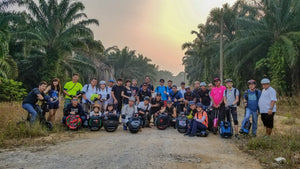 Big group of EUC went off road riding in JB plantation (Click for video)