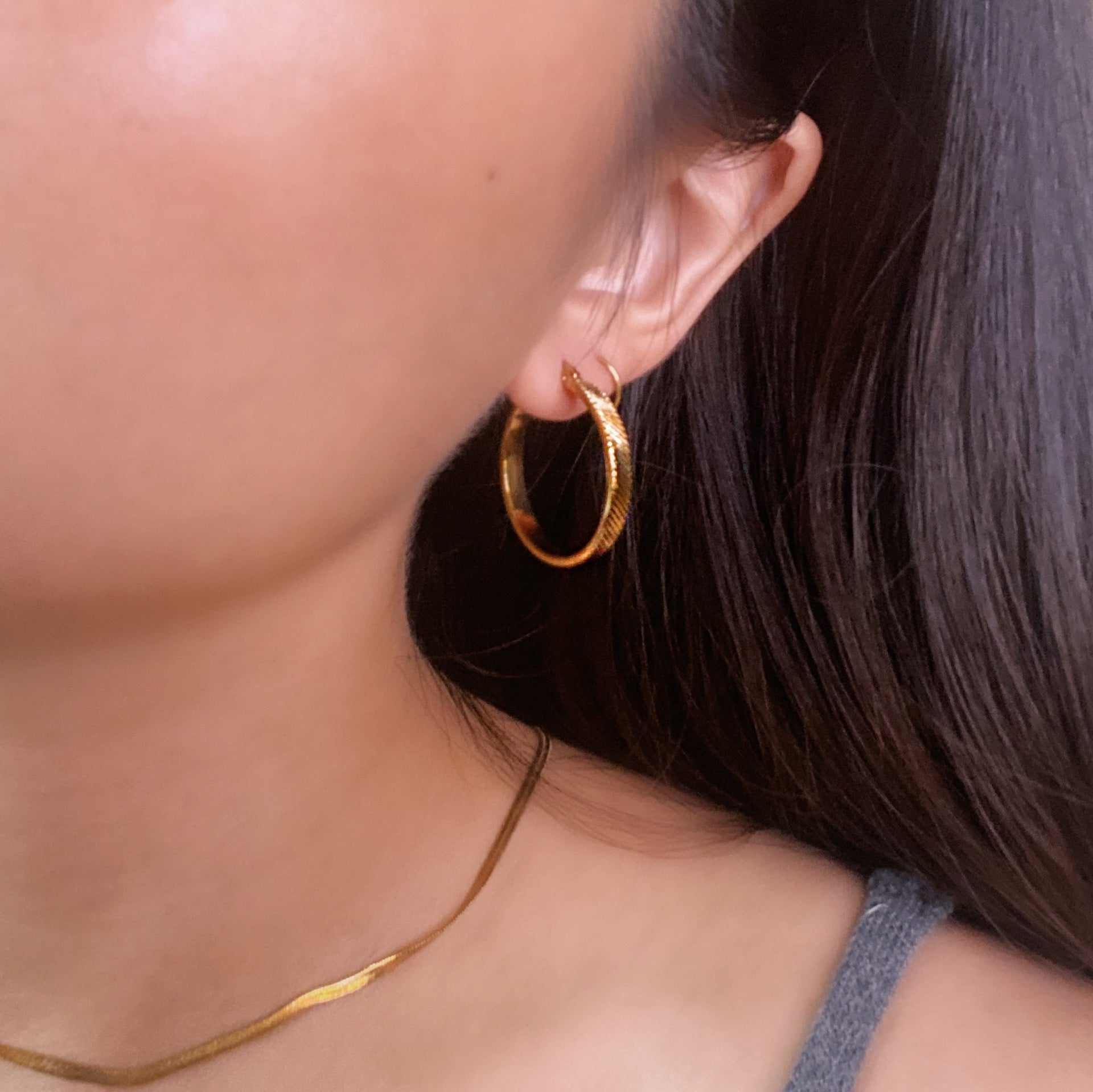 Midi Striped Circle Hoop Earrings