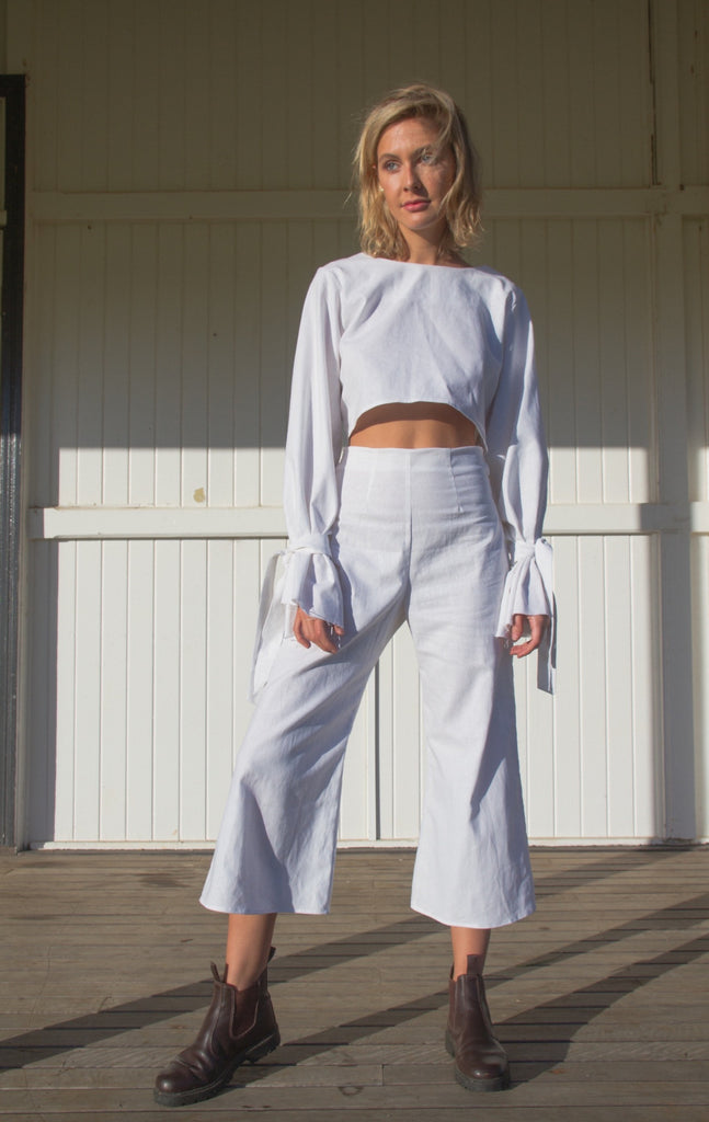 IVY CROP PANT IN WHITE