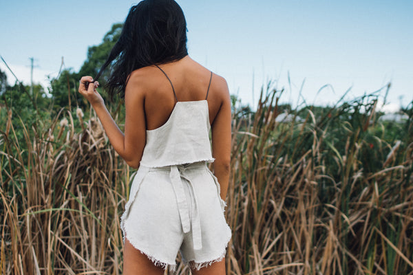 RUBY WRAP SHORTS IN NATURAL