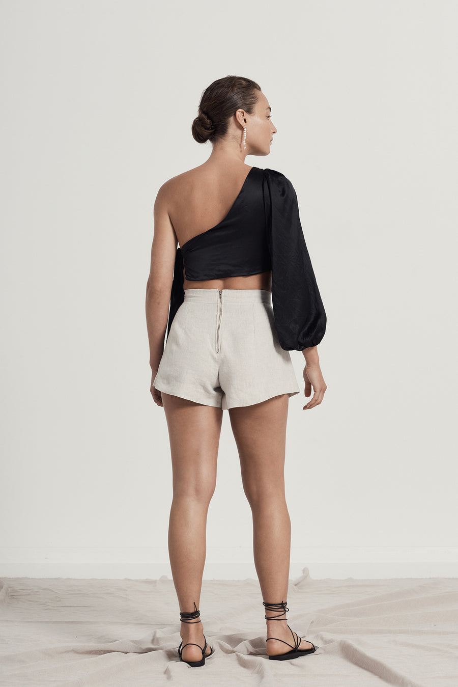 MAYA MINI SHORTS - BEIGE